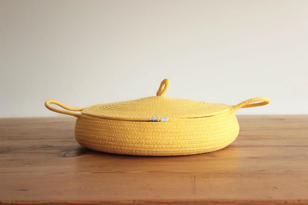 cazuela amarilla