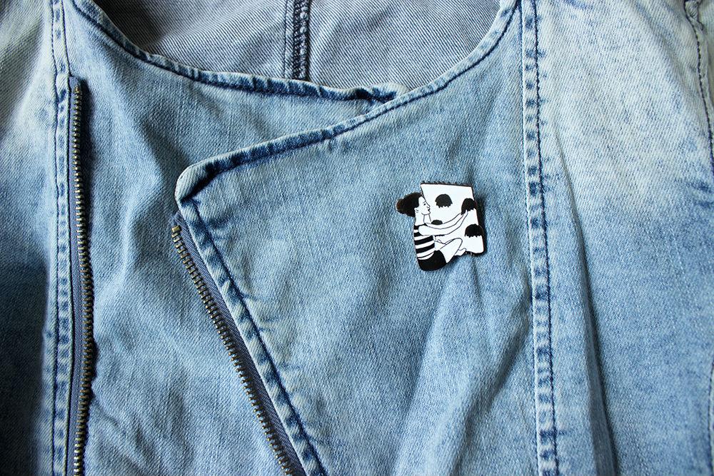 pin en chaqueta